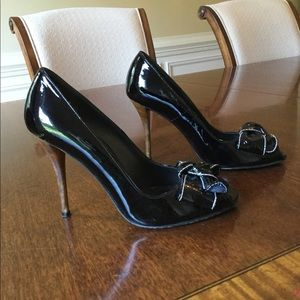 STUART WEITZMAN Patent Leather Peep Toe w/Bow Sz.7